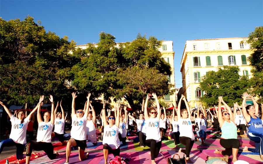 Éxito del VI Yoga en la Plaza y una reflexión.