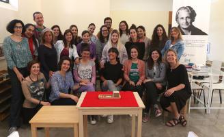 Noticia en la Opinión de Málaga: Educación Montessori: aprender a hacer de guía de los niños.