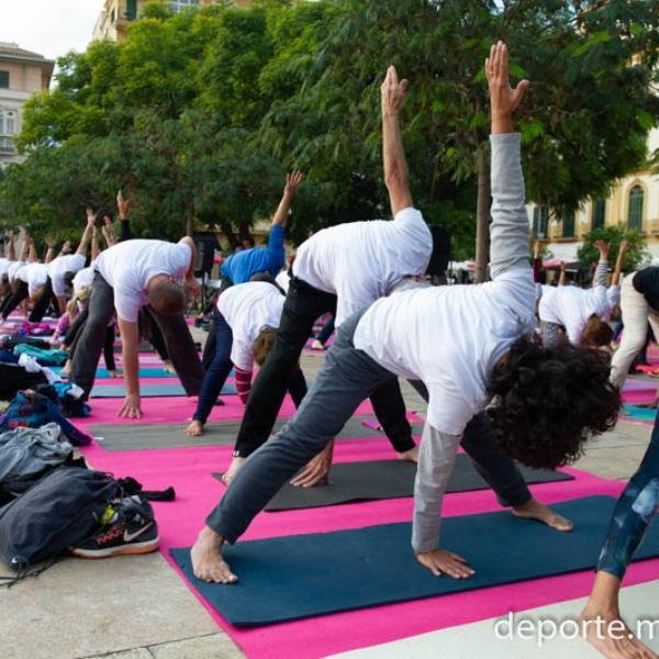 Aquí puedes descargar las fotos del Yoga en la Plaza 2018 del Área de Deportes del Ayto de Málaga: