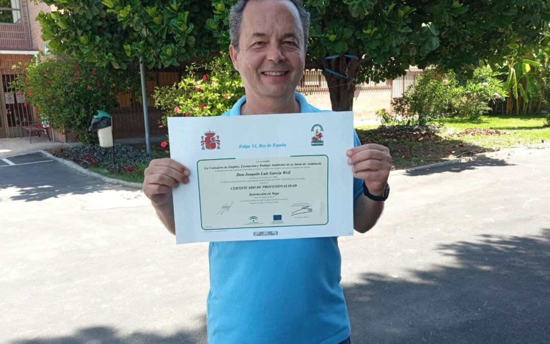 Título oficial de Instrucción en Yoga. ¿Qué necesito para enseñar yoga en Andalucía?
